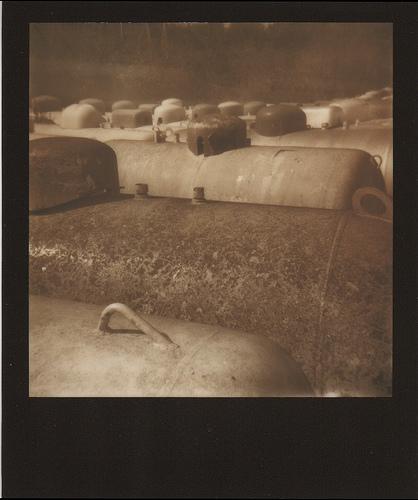 Citernes abandonnées par les propaniers